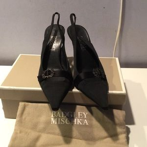 Badgley mischka black fabric dressy slingback 7.5